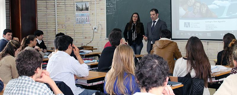 El rector de UNEATLANTICO visita el Colegio San Agustín de Santander
