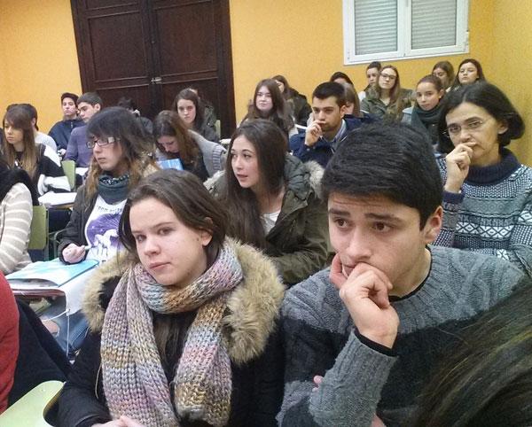 UNEATLANTICO presenta su oferta académica en el IES Marqués de Santillana de Torrelavega