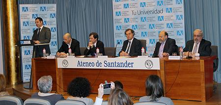 El rector de UNEATLANTICO considera que «estudiar una carrera sigue siendo rentable en términos de empleabilidad»