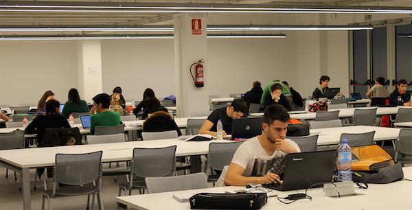 La biblioteca de UNEATLANTICO amplía su horario de apertura durante los exámenes