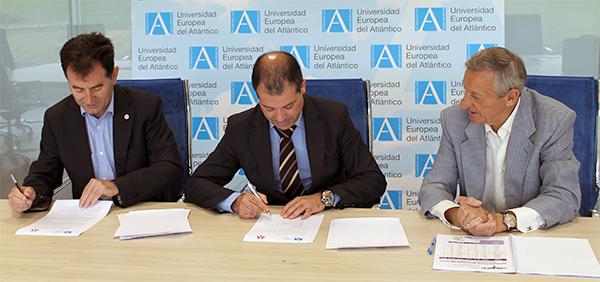 UNEATLANTICO firma un convenio de colaboración con la Asociación de Donantes de Sangre de Cantabria