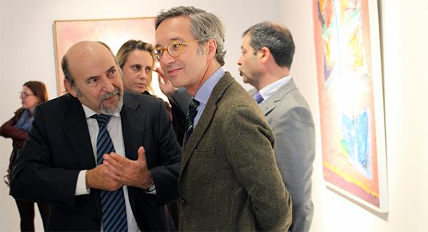 """Lassalle destaca la """"eclosión colorista"""" de Jaume Muxart, un pintor que """"desgarra la propia realidad, creando otra alternativa"""""""