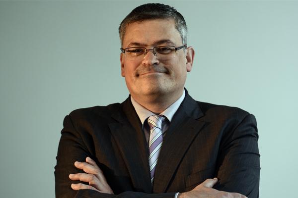 El director del CEMU, Roberto Revuelta, analiza el concepto de flexiseguridad en la revista del Colegio de Economistas