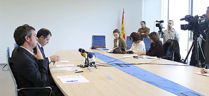 Los medios de comunicación ofrecieron una amplia  cobertura de la rueda de prensa sobre la nueva residencia