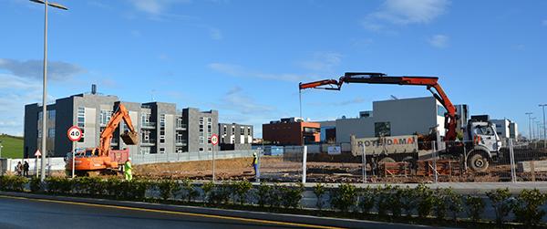 Avanzan a buen ritmo los trabajos de movimiento de tierras de la nueva residencia de UNEATLANTICO