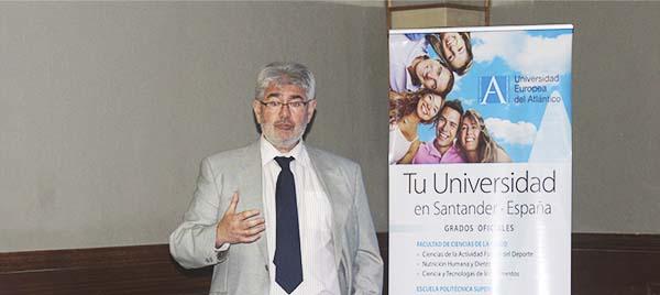 El Secretario General de UNEATLANTICO pronuncia una conferencia sobre educación en la República Dominicana