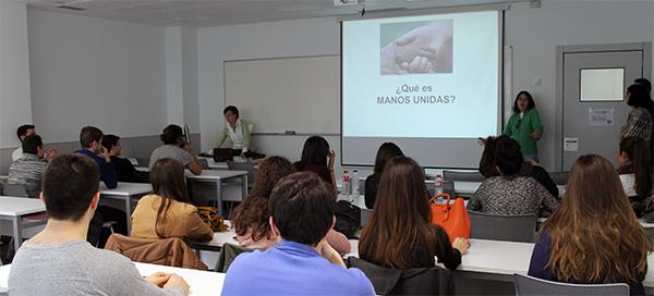 Representantes de Manos Unidas visitan el campus e imparten una charla sobre desperdicio alimentario