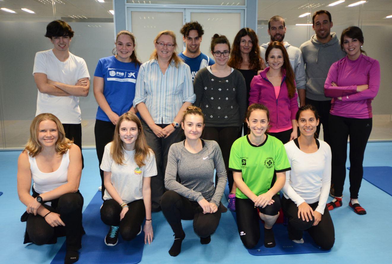 Profesores y alumnos minutos antes de la sesión de Pilates en UNEATLANTICO.