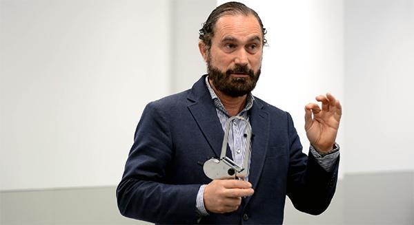 El profesor Sirvent imparte un taller en UNEATLANTICO sobre antropometría