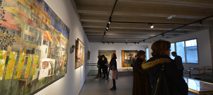 """Anna Tamayo inauguró """"Colores en mis bolsillos"""" una muestra madura de expresión plástica, gráfica y literaria"""