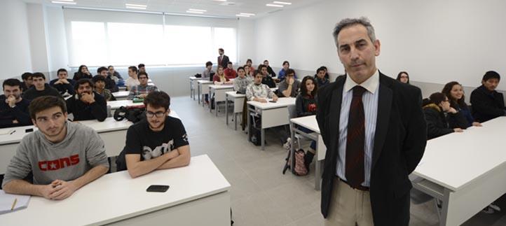 El Jefe de Prensa del Ayuntamiento de Santander impartió una charla sobre comunicación a estudiantes de Ingeniería