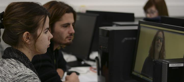 Los alumnos del grado en Comunicación Audiovisual realizan unas prácticas de grabación dentro del campus