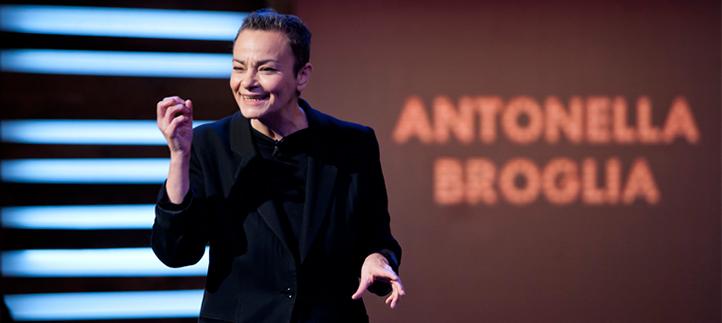 Entrevistamos a Antonella Broglia y hablamos de empleo, innovación, tecnología, inteligencia artificial e inmortalidad