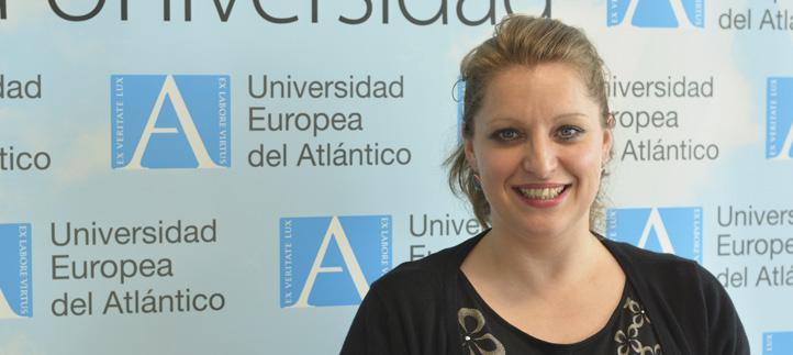 La doctora Martínez-Flórez impartió una conferencia sobre investigación biomédica y enfermedades hepáticas