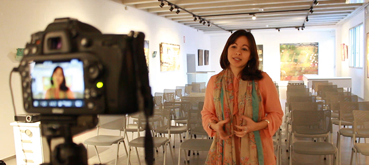 Alumnos de Psicología experimentan presentaciones científicas guiados por la profesora Mariacarla Martí
