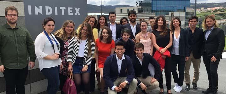 Alumnos de UNEATLANTICO visitan la sede central de INDITEX en Arteixo