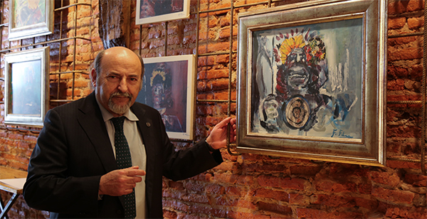 Federico Fernández expone su colección de 'Guerreros' en el bar-galería Soho de Santander