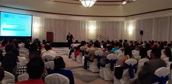 """Juan Luis Martín: """"En Centroamérica los profesores están muy interesados en la prevención de la violencia"""""""