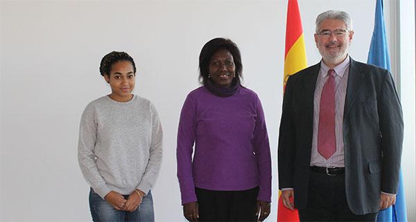 La representante de UNEATLANTICO en Gabón visita el campus de Santander