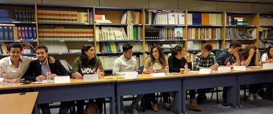 Profesores y estudiantes de ADE participan en un curso de marketing personal en el Colegio de Economistas