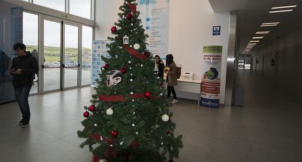 La comunidad de la Universidad Europea del Atlántico felicita las fiestas al ritmo de Rosana