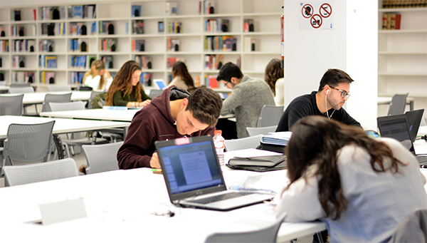 La Universidad Europea del Atlántico abre su biblioteca los dos próximos fines de semana