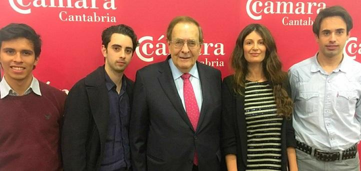 Profesores y estudiantes asistieron a dos conferencias de Ramón Tamames en Santander sobre economía internacional