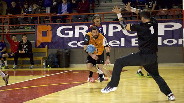 El Balonmano Torrelavega derrotó al Grupo Covadonga y recuperó el golaverage con un rival directo