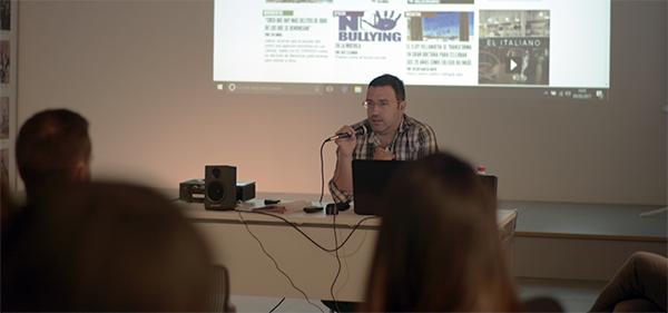 El director de El Faradio ofrece una charla a los alumnos de segundo curso de los grados de Comunicación de UNEATLANTICO