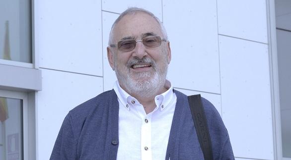 Rafael Mendía, fundador de la Fundación Zerbikas, explicó las bases del Aprendizaje-Servicio solidario