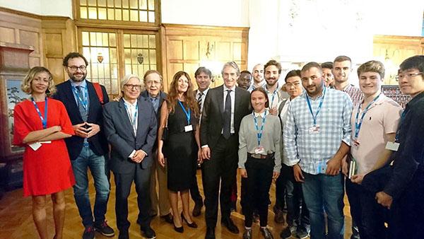 Alumnos de UNEATLANTICO trabajan con Tamames en un informe sobre desarrollo económico y social para Cantabria