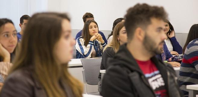 Cerca de medio millar de nuevos alumnos comenzó hoy sus estudios de grado en la Universidad Europea del Atlántico