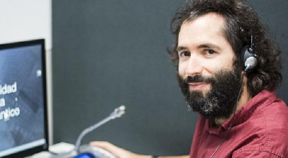 El doctor Pedro Castillo presentó una ponencia en el Congreso de Calidad de la Interpretación celebrado en Granada