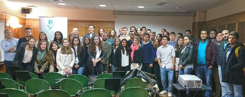 Estudiantes de los grados en Psicología y ADE participaron en el curso de comercio electrónico impartido por Álvaro Galán