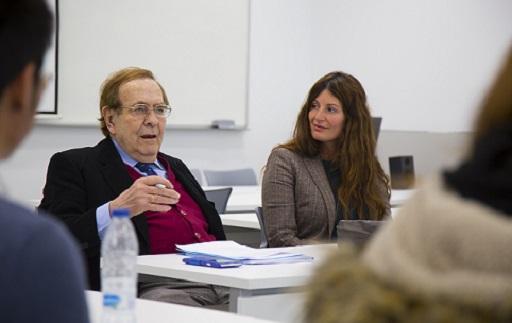 Alumnos y profesores de ADE escucharon esta semana a los economistas Tamames, Gay de Liébana y Gonzalo Bernardos