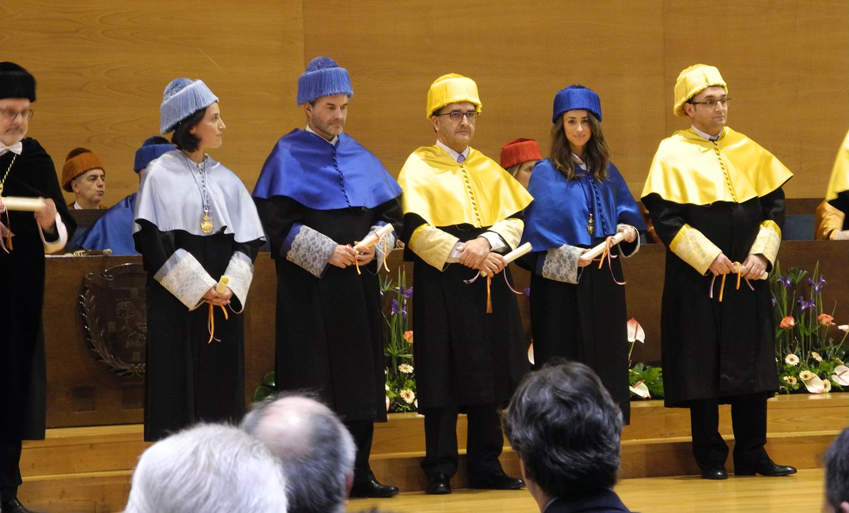 La profesora Andrea Corrales recibe el Premio Extraordinario de Doctorado 2017