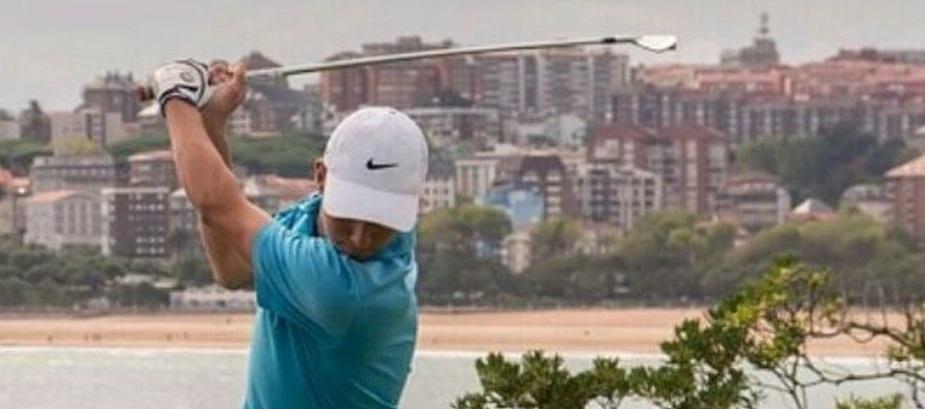 Un golfista de nivel mundial en las aulas de UNEATLANTICO