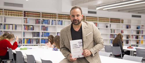 El doctor Ramón de Cangas desmonta varios mitos alimentarios durante la presentación de su nuevo libro en UNEATLANTICO