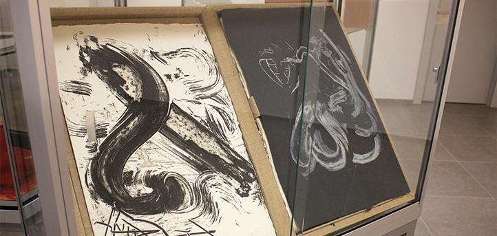 UNEATLANTICO inaugura el próximo jueves una exposición de grabados bon à tirer de Tàpies