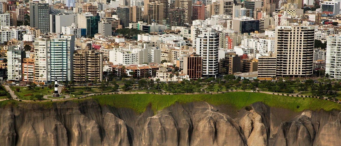 UNEATLANTICO presenta su oferta académica en la Feria Estudiar en España de Ecuador y Perú