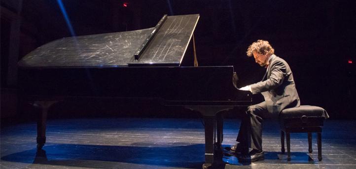 UNEATLANTICO inaugura el lunes su salón de actos con un concierto del pianista de prestigio internacional José Luis Nieto
