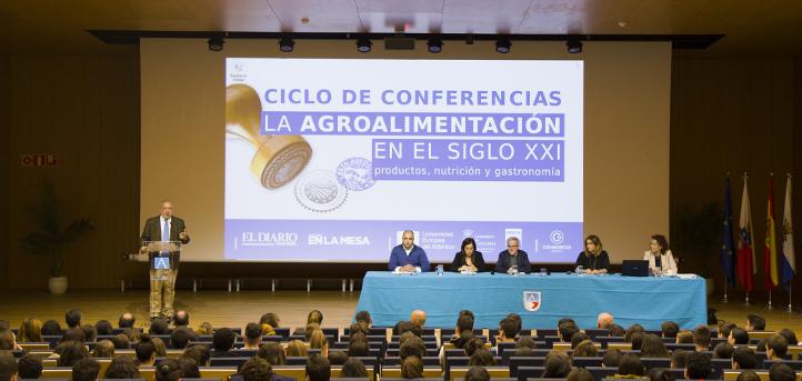 """Cinco ponentes debatieron en el campus de UNEATLANTICO sobre los sellos de calidad, dentro del ciclo """"La alimentación en el siglo XXI"""""""