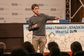 El profesor Aurelio Corral presentó una ponencia y un nuevo software en el Congreso de Entrenamiento Deportivo