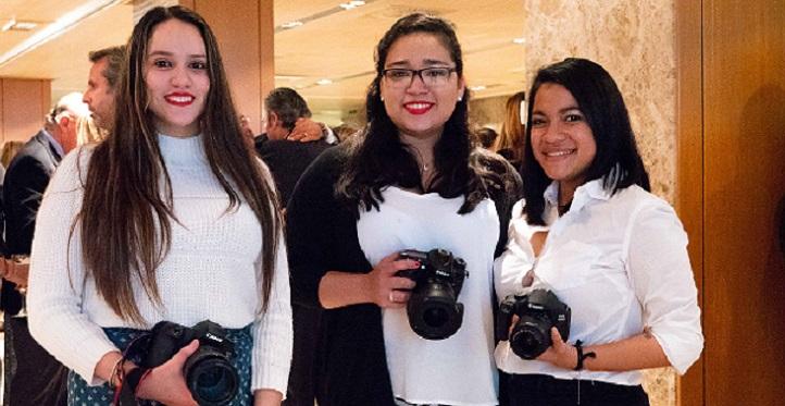 Un equipo de profesores y alumnas colaboró en la comunicación visual de la gala de la Asociación de Mujeres Empresarias de Cantabria