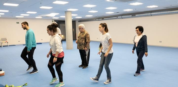 Un equipo de profesoras y alumnos desarrolla un programa de ejercicio físico para la recuperación de pacientes
