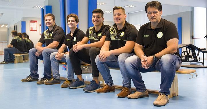 Un grupo de jugadores del Bathco Rugby Club cursa estudios de grado y máster en la Universidad Europea del Atlántico