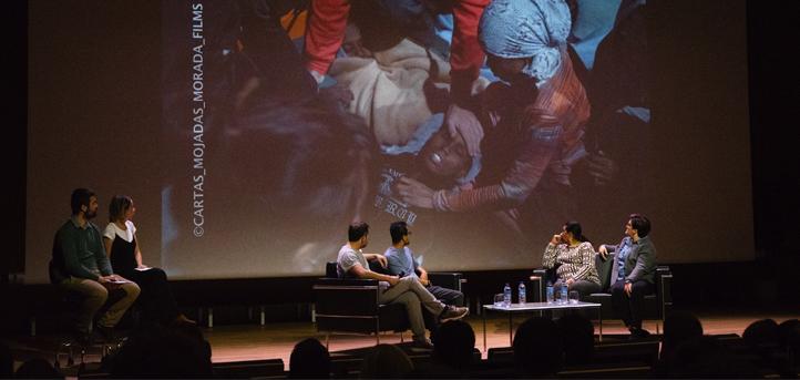 Dos refugiados y dos ONG transmitieron su testimonio a los estudiantes para concienciarles en torno a temas solidarios
