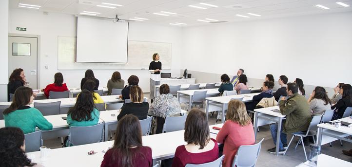 El personal de la universidad recibió un seminario de prevención de riesgos para saber cómo reaccionar ante las emergencias