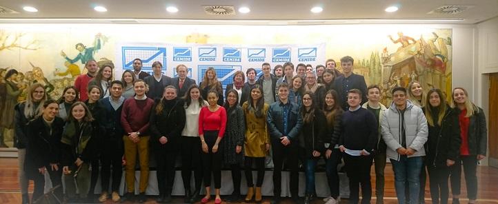 Más de medio centenar de estudiantes de UNEATLANTICO acudieron a la conferencia de Ramón Tamames sobre el brexit