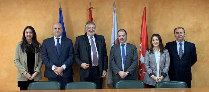 La Universidad Europea del Atlántico y la Fundación ADADE estudiaron diversas áreas de colaboración entre ambas instituciones